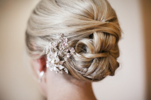 our-favorite-wedding-day-hair-accessories